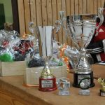 Pokale, Medaillen und weitere Preise wurden von dm gestiftet